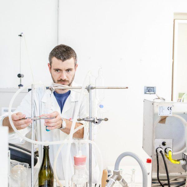 operatore laboratorio analisi